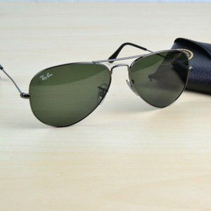 Ray-Ban Vintage Aviator Sunglasses W/ Case RB 3025